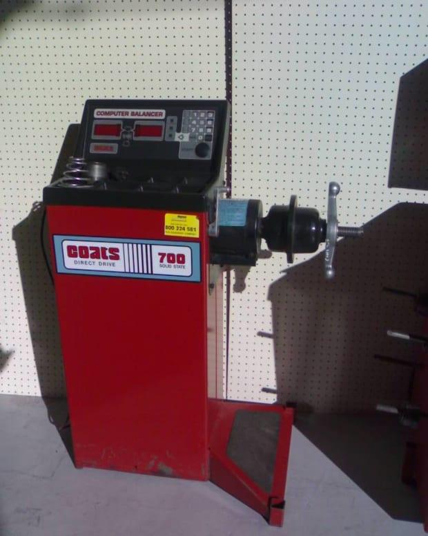 workshop-machinery-wheel-balancers