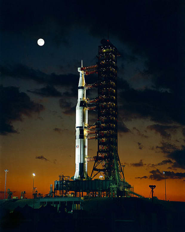 Apollo 4 Saturn V night launch.