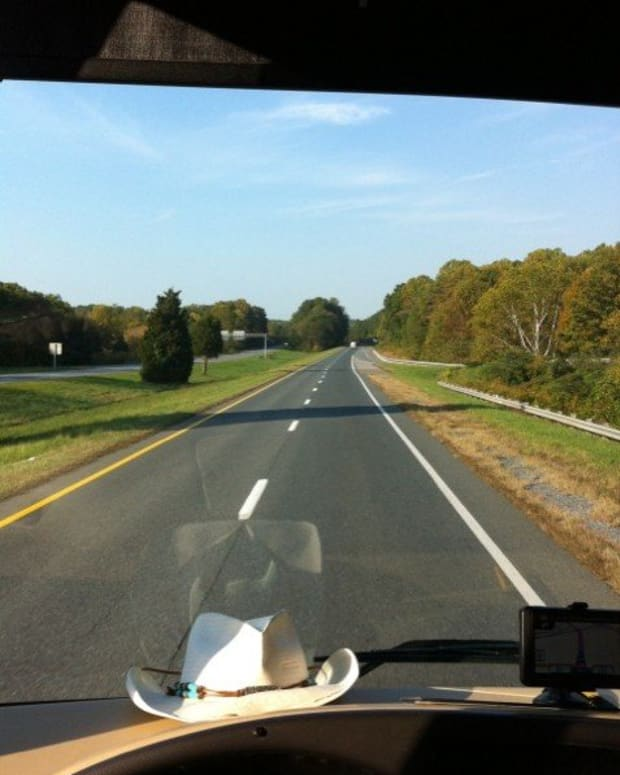 rv-on-the-road-rv-driving-tips