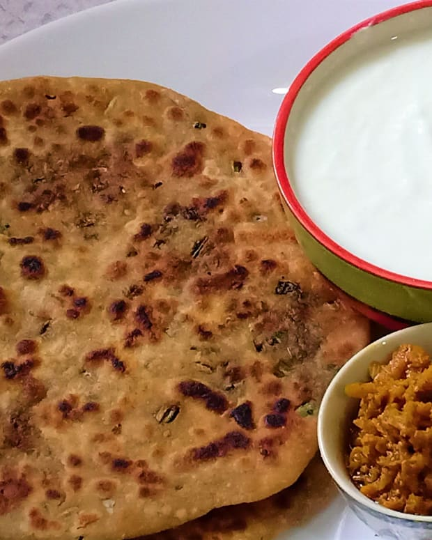 mooli-ke-patton-ka-paratha-stuffed-radish-leaves-paratha
