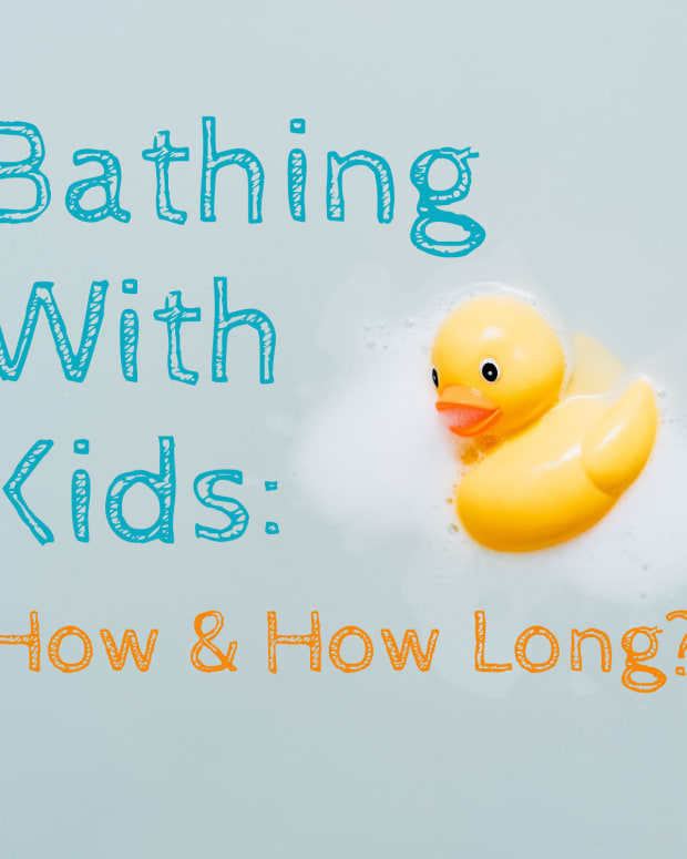 parents-showering-with-their-kids-its-benefits-and-when-to-stop