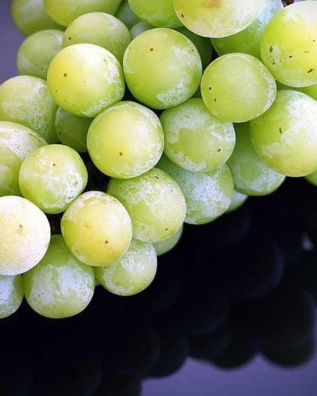 frozen-grapes-for-delicious-vegan-recipes