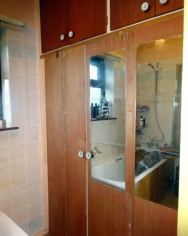 resizing-built-in-bathroom-cupboards