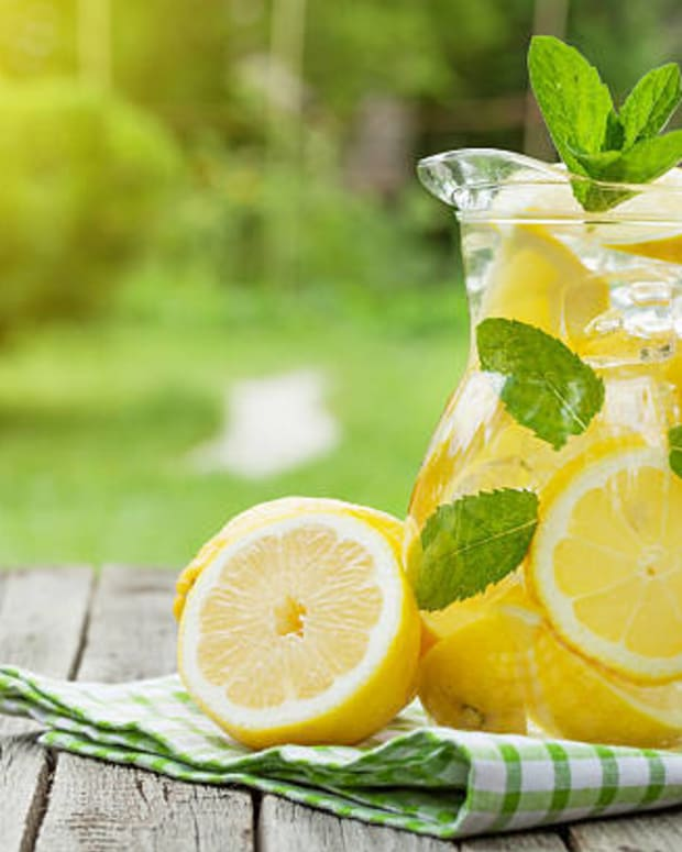 boost-your-immunity-with-lemon-mint-detox-water