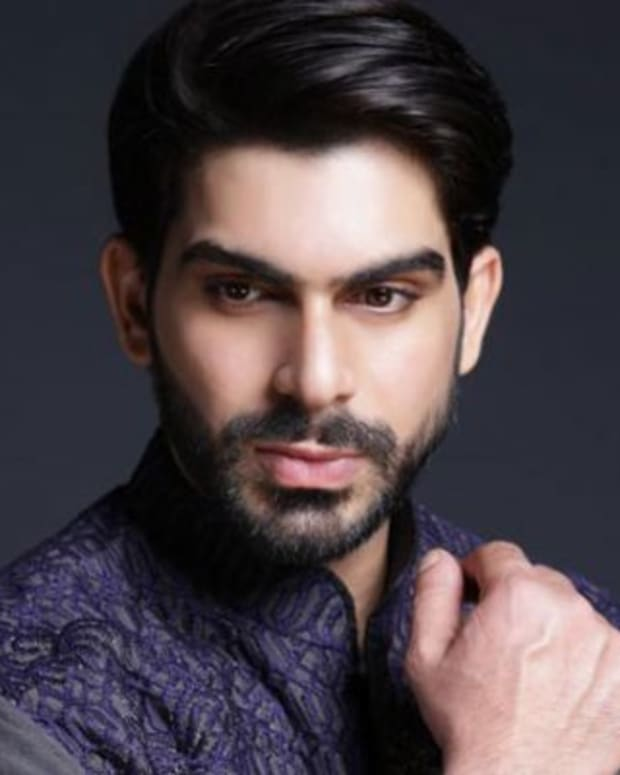 12-famous-male-fashion-models-of-pakistan
