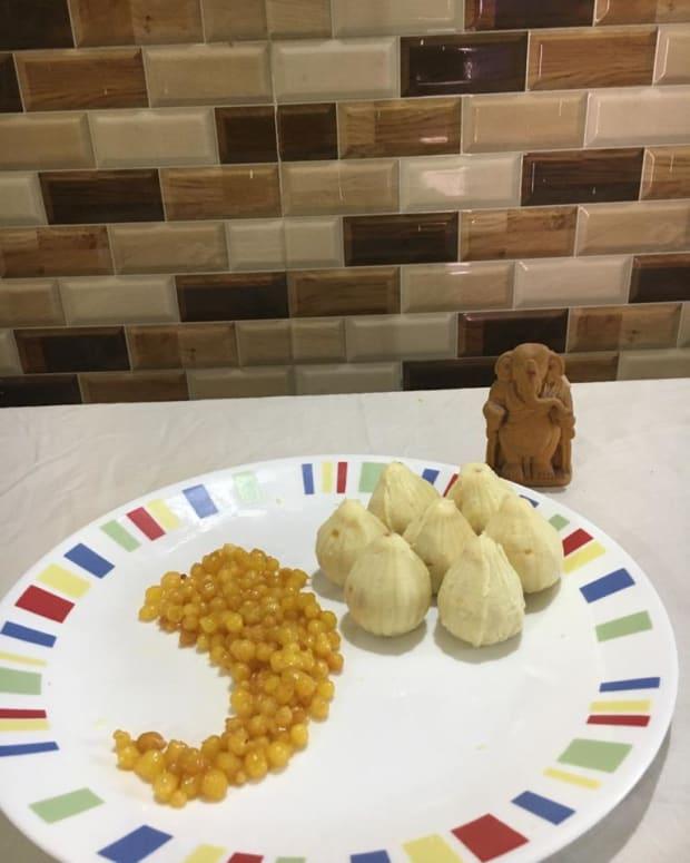 stuffed-mawa-modakkhoya-modakmawa-modak