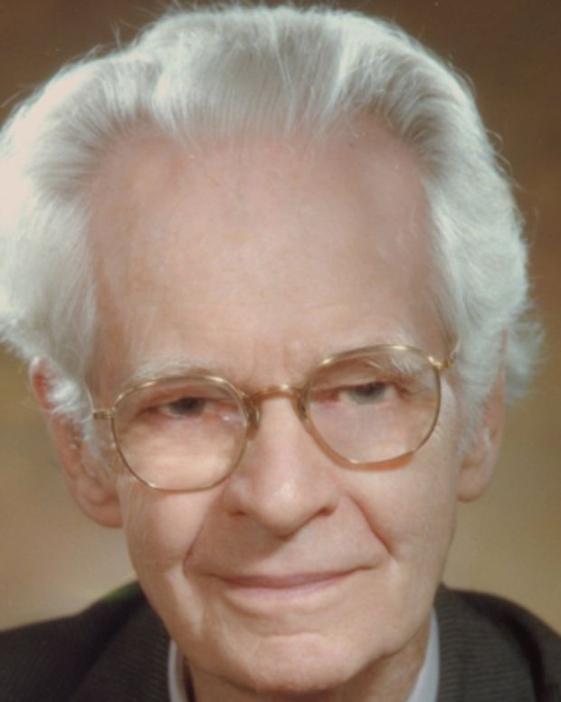 b f skinner essay First words usually occur between 9 and 14 months, with the word explosion occurring around 18 months for most infants bf skinner saw language acquisition as operant behavior with reinforcement necessary chomsky argues that language is more automatic for humans, requiring less exposure and reinforcement than in skinner's.
