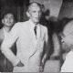 Jinnah sees off Gandhi at his Bombay home