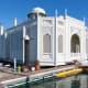 Floating home Taj Mahal in Sausalito, California