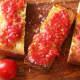 Pan con tomate (bread and tomato)
