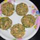 Step three: Make lemon-size balls of dough, and then make round patties.