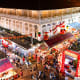 Overview of Singapore Chinatown Food Street. Here, visitors can enjoy all sorts of local delicacies after shopping.