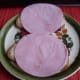 Add hams to slices of Graubrot spread with margarine.