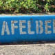 Tafelberg Rd. Named after Table Mountain. In Afrikaans it is Tafelberg.