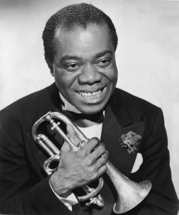 a biography of louis armstrong a jazz musician (1901-1971) louis armstrong is an african american dixieland jazz musician and a singer who's known for his trumpet playing and his trademark smile and scat singing.