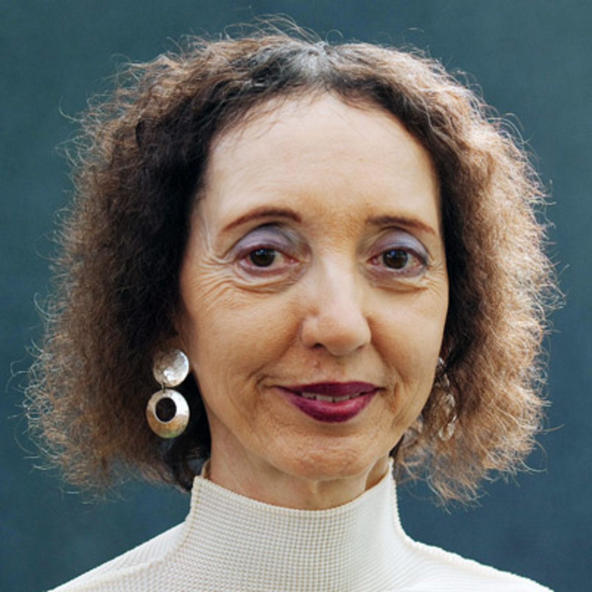 life after high school joyce carol oates essays About the author-born in lockport, new york (june 16, 1938) - the area suffered the hardships of the great depression, but joyce carol oates spent her life on a farm, writing novel after novel throughout her high school and college career.