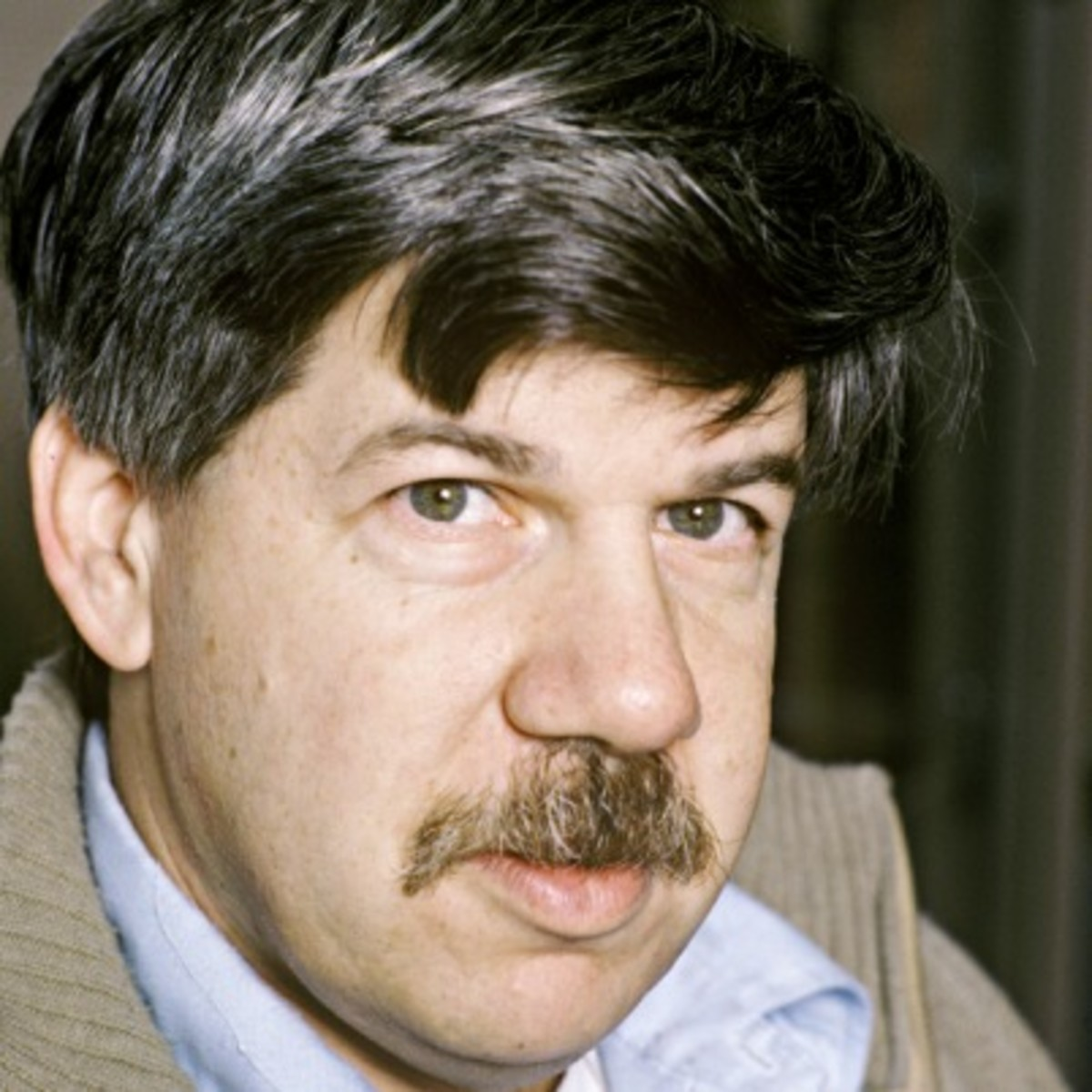 a biography of stephen jay gould a paleontologist Paleontologist stephen jay gould has argued that many biological traits are not the products of natural selection, favored due to their enhancement of reproduction or survival, but that they are simply random by-products of other evolutionary developments.