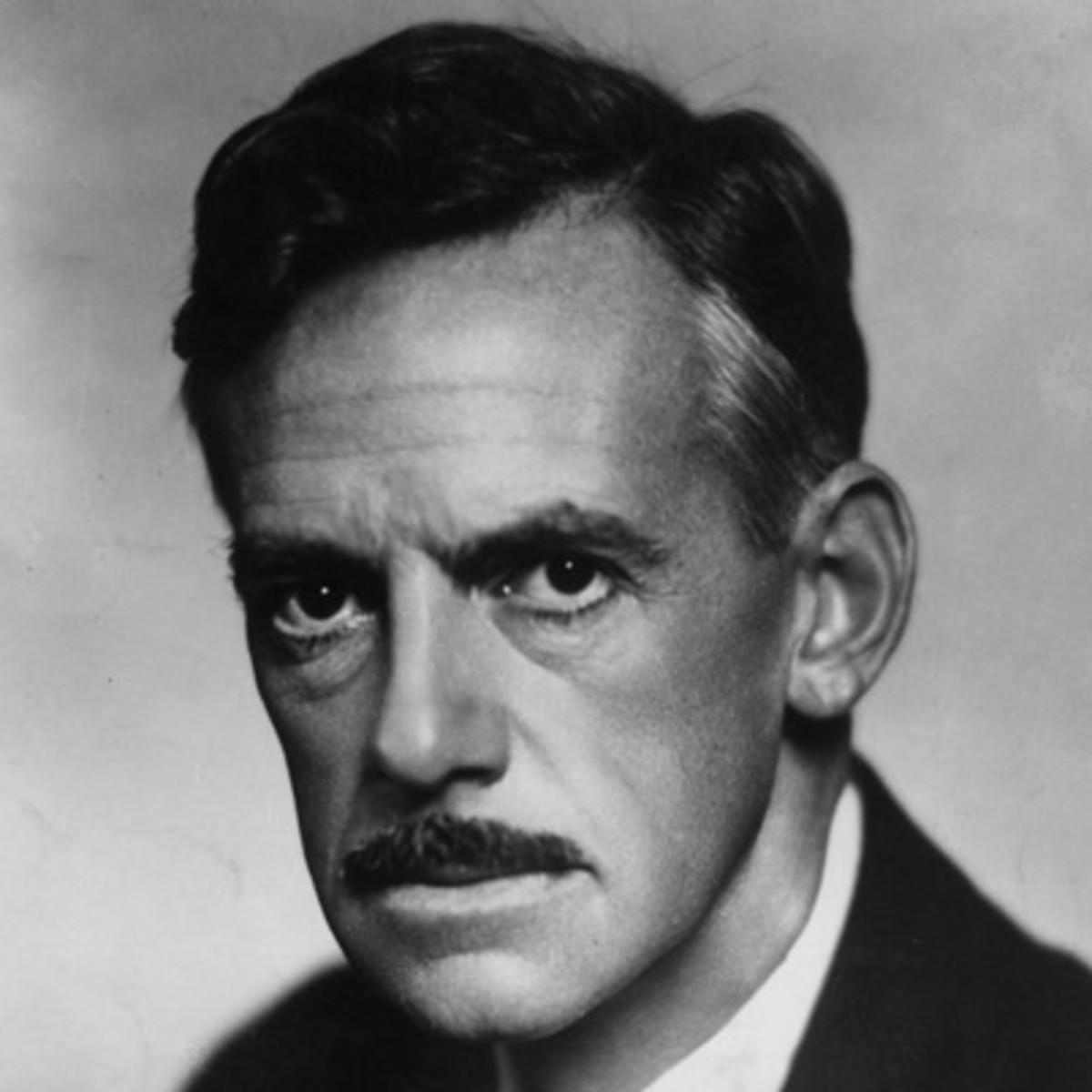 a biography of eugene oneill Biography of eugene o'neil eugene o'neill through poverty and fame, an artist or nothing(miller p6), was the motto of a man named eugene o'neill, who wrote from his soul in an attempt to find salvation in the year 1888, the barrett house hotel in time.