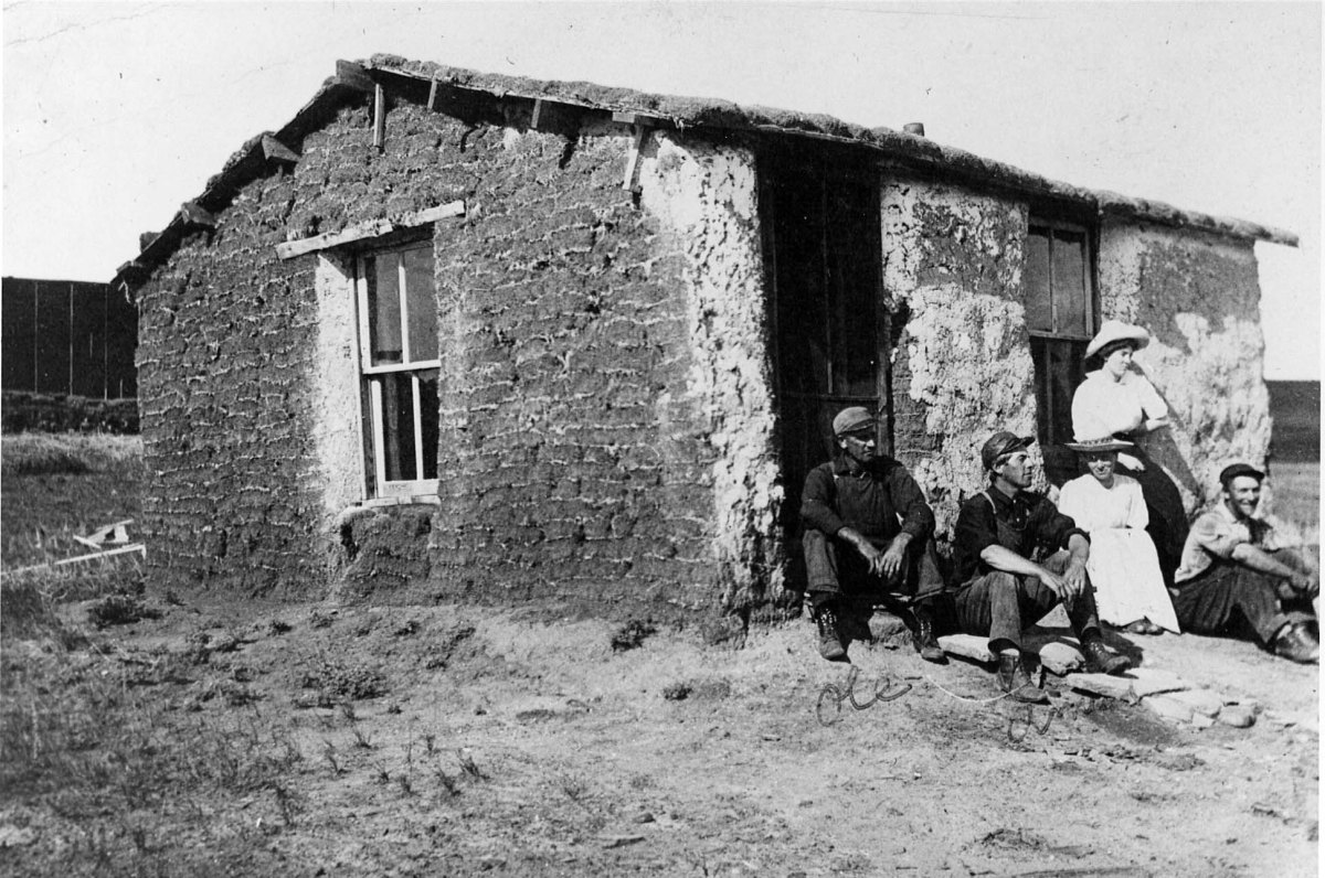 Early day Oklahoma Pioneers and their Sod Homes