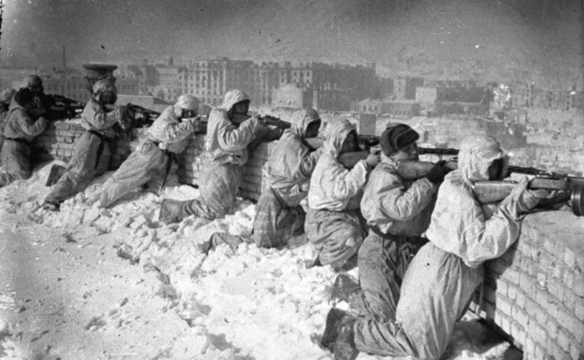 "Soviet forces defending a position at the ""Battle of Stalingrad."""