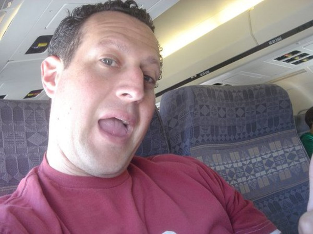5 Tips for Talking to Strangers on a Plane or Bus