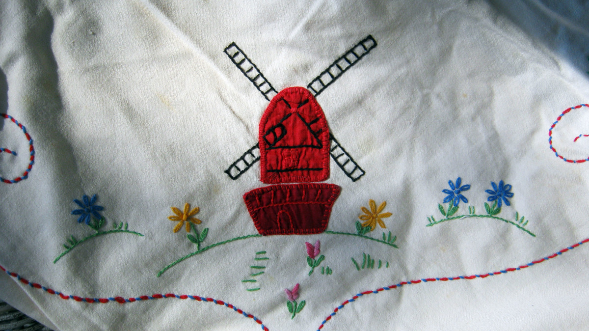 Antique tablecloth - appliquéd embroidered windmill