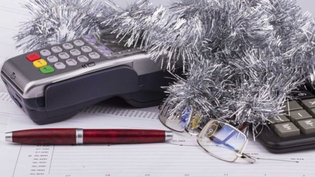 Less Stress for the Holidays 3: Controlling Your Finances