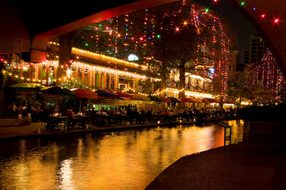 San Antonio and Texas Hill Country Christmas Parades and Festivals