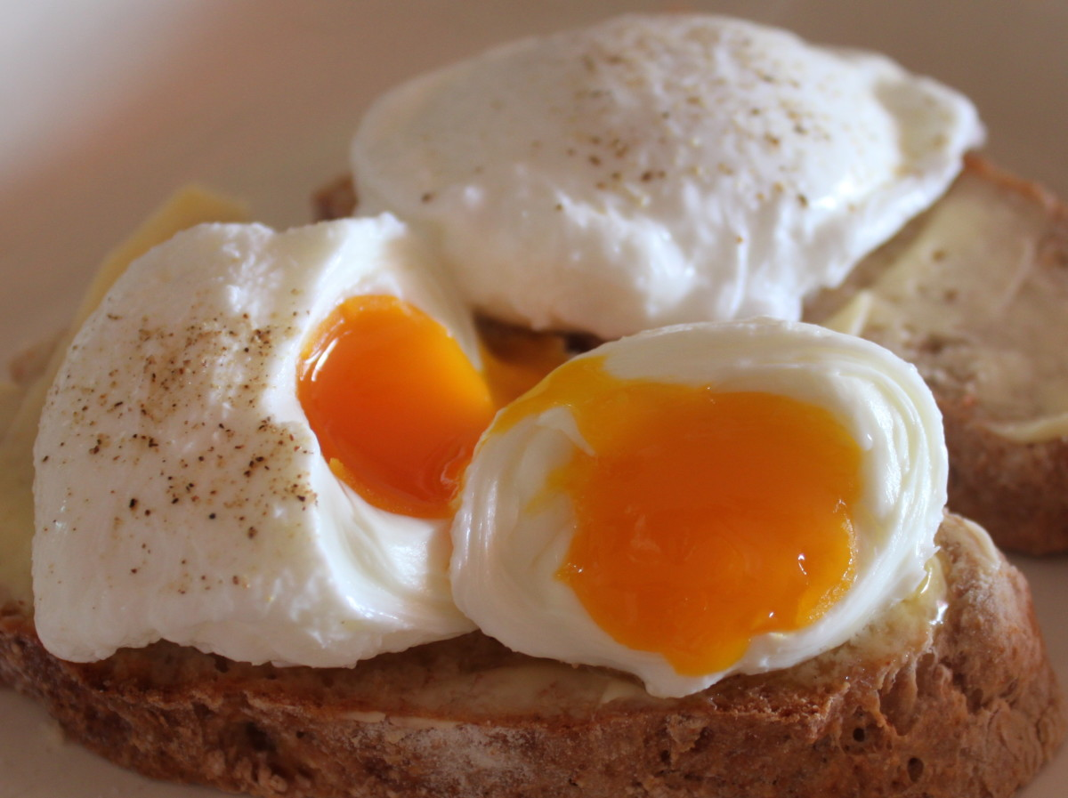 How to Poach Eggs Perfectly Every Time | Delishably