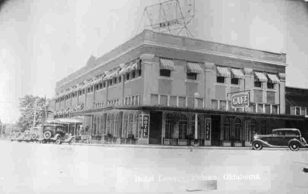 The Lowrey Hotel, 1940s