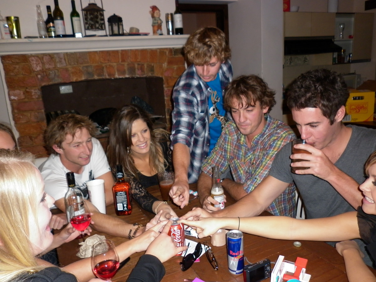 5 Hilarious Drinking Card Games