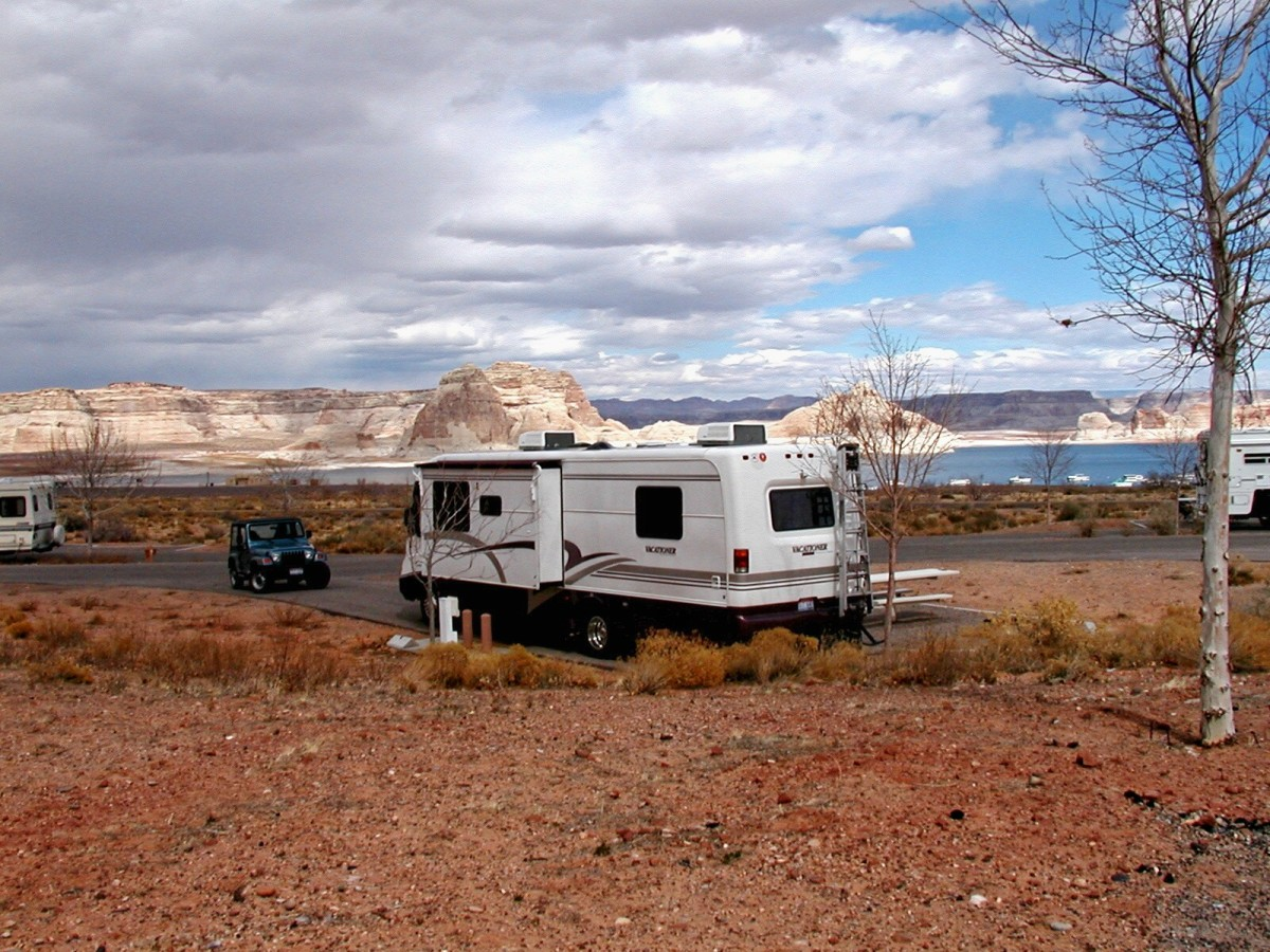 Camping at Glen Canyon Dam