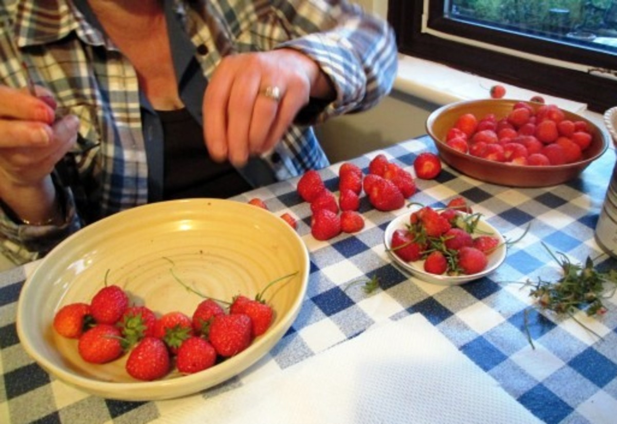 Recipe for Strawberry Jam and Topping