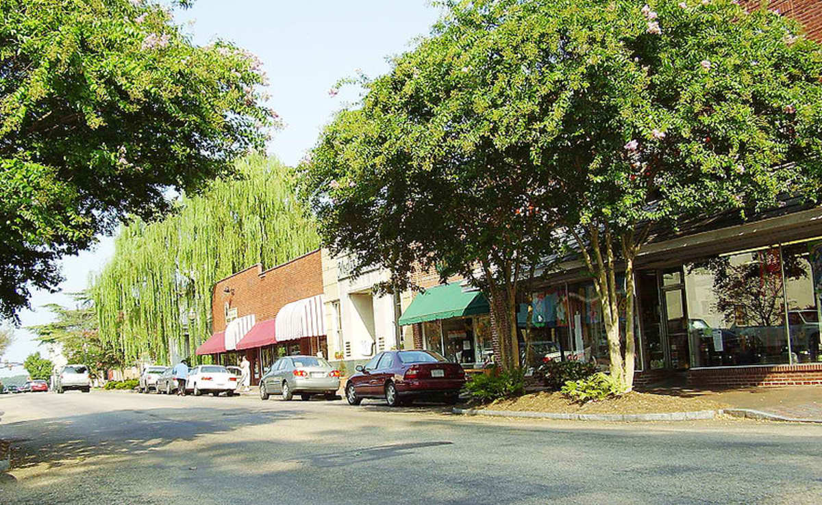 On Main Street in Smithfield, in Isle of Wight County, VA, on the Pagan River.