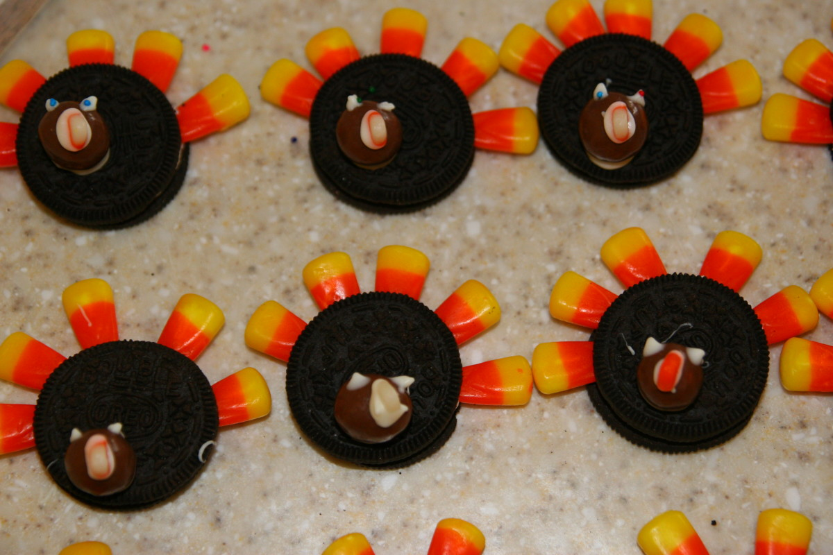 Simple Oreo Turkey Cookies for Thanksgiving