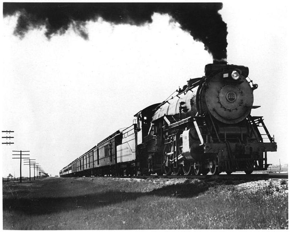 Fort Worth and Denver Railway's Colorado Special train No. 1 in 1929.
