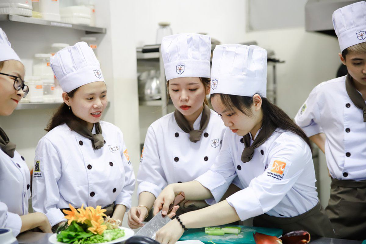 There are a lot of great culinary schools out there. Learn more about some of the most well-regarded cooking institutions here.