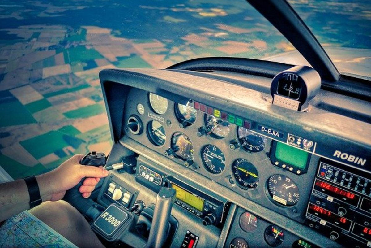 How to Safely Land an Airplane: Common Pilot Errors and Solutions