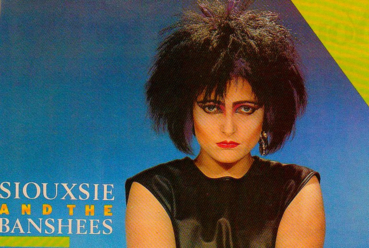 Siouxsie Sioux...one of the best all-time goth singers.