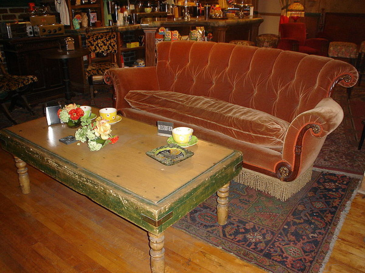 Look familiar? This is the couch in Central Perk on Friends! Bet you wouldn't mind if someone donated that to YOU!