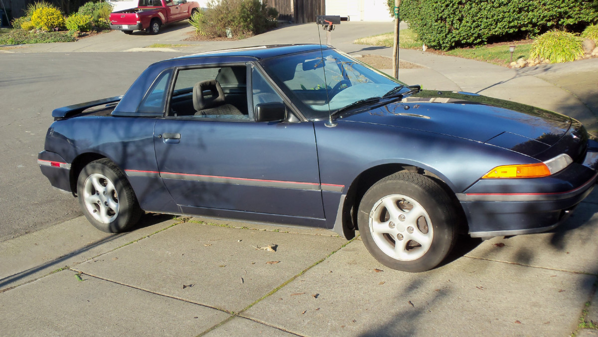 How to Install a Hardtop on a 1991-94 Mercury Capri
