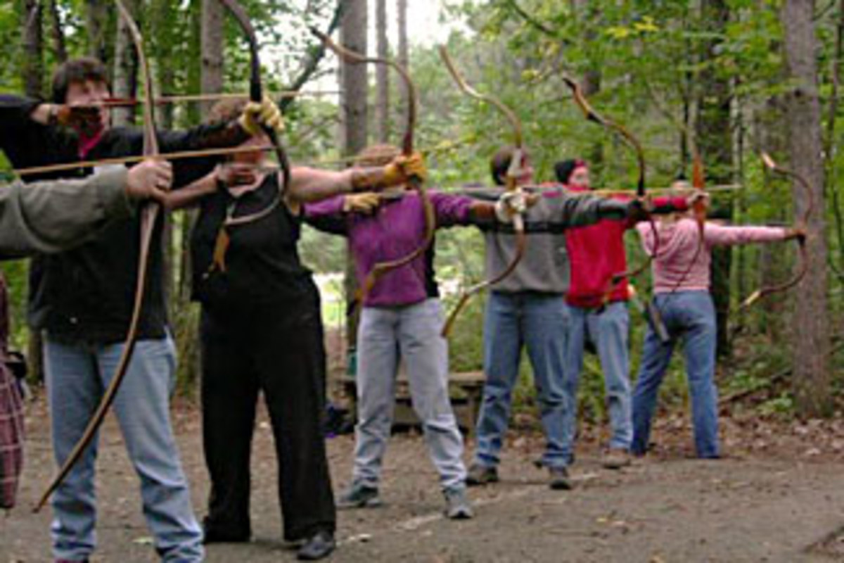How to Get Started in Traditional Archery With a Lightweight Recurve Bow