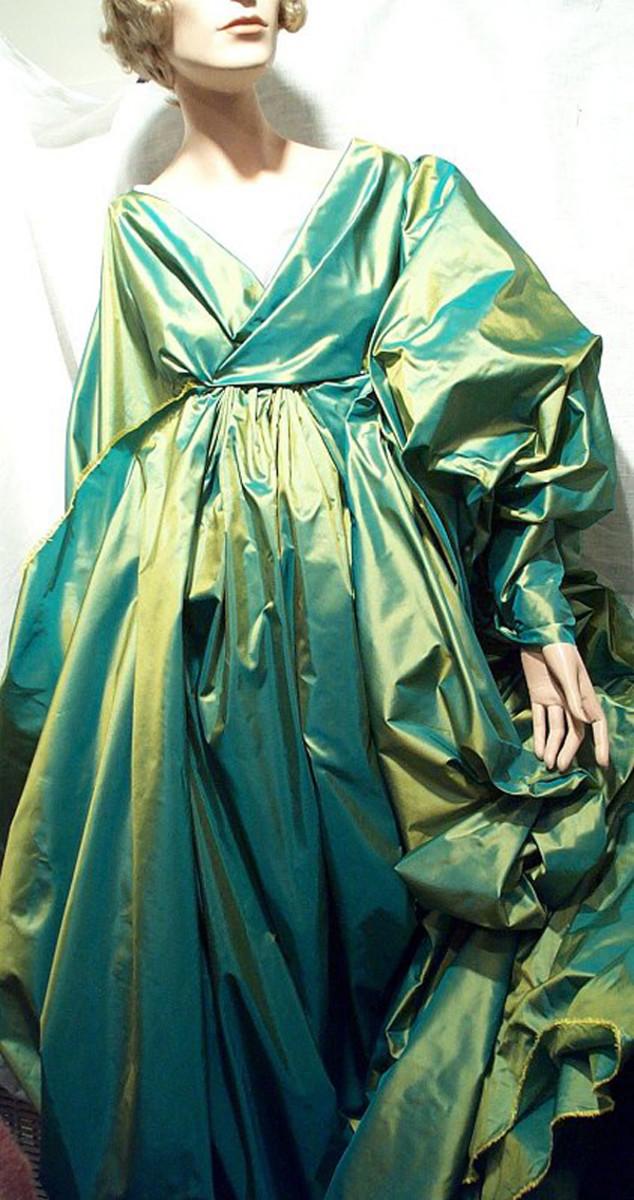 Guide to Silk Fabrics: Dupioni and Taffeta