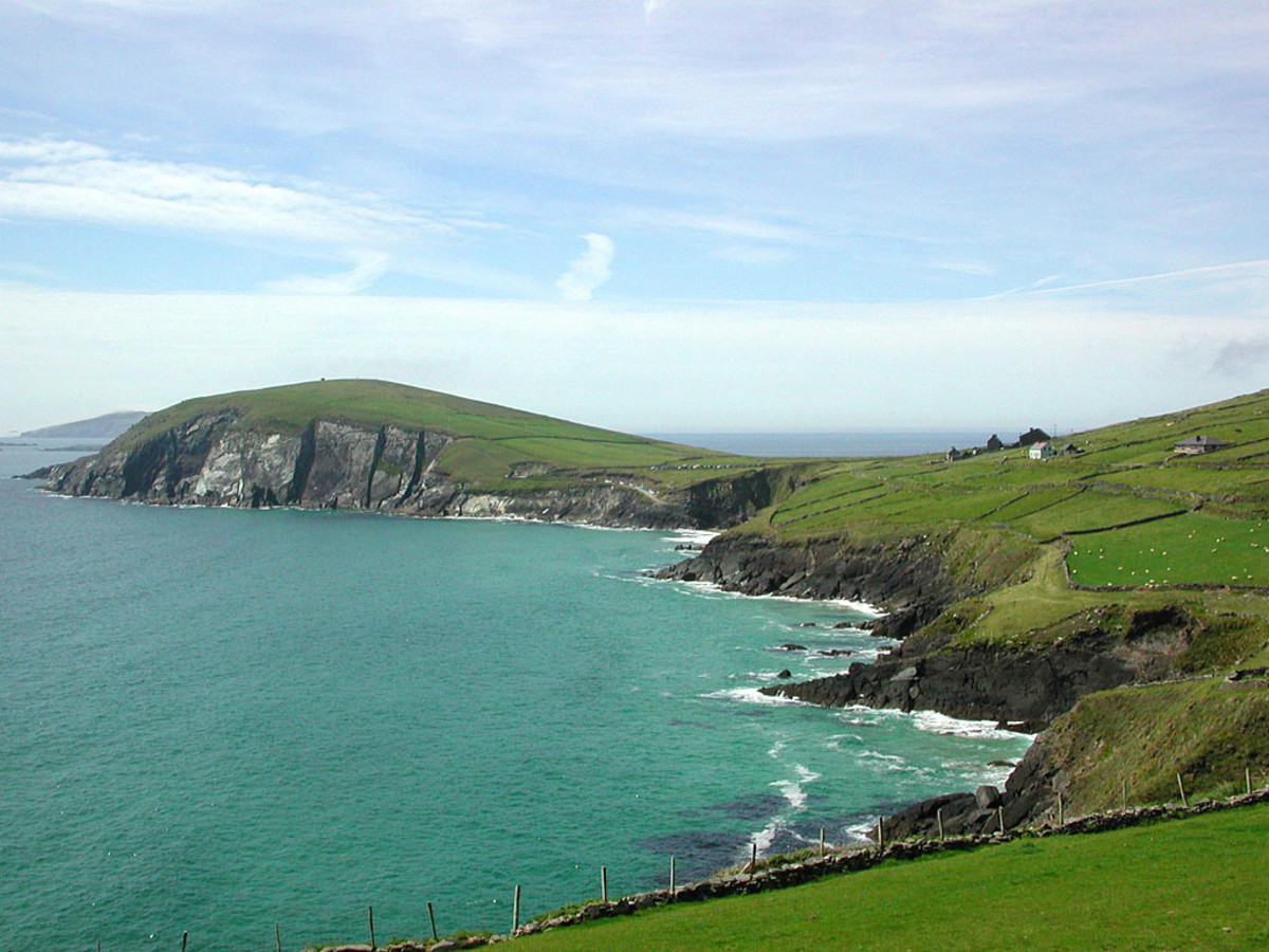 Beautiful tourist attractions in ireland wanderwisdom ireland or the emerald isle as it is also known is a beautiful country with vast open countryside and green rolling hills it is a country of extreme publicscrutiny Images