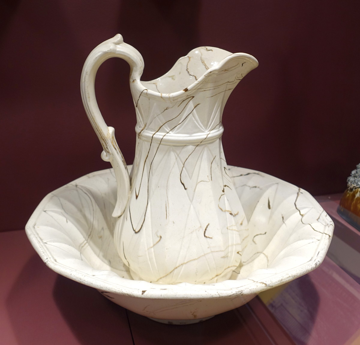A pitcher and washbowl, the idea for this article.