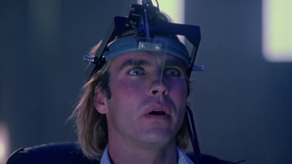 "A Bizarre Internet Embodiment - ""The Lawnmower Man"" Review"