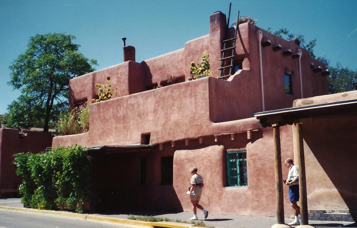 Lots of adobe construction in Santa Fe, New Mexico