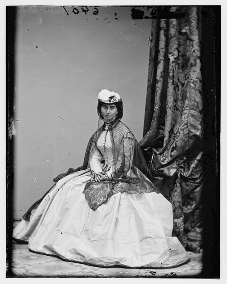 Women's Clothing of the South in the American Civil War