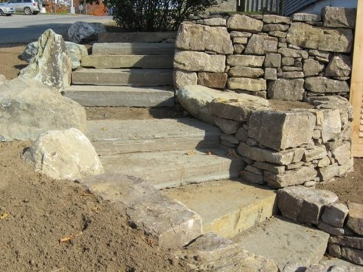 Building Outdoor Staircases From Natural Stone or Rock