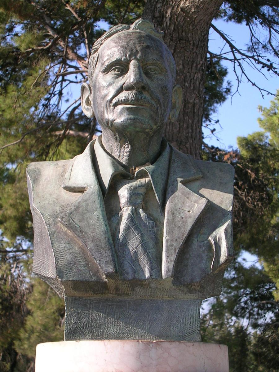 Sir Arthur Evans - Famous Archaeologist